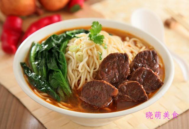 香椿肉丝面、牛肉面、花椒油拌面、麻辣小面、卤面条的美味做法
