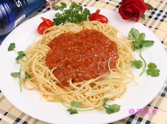 香辣凉拌面、肉酱面、油泼裤带面、台式卤肉面的家常做法