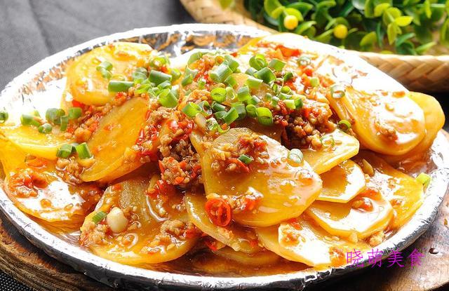 香辣土豆、干锅藕片、番茄炒茄子、花生拌黄瓜的家常做法