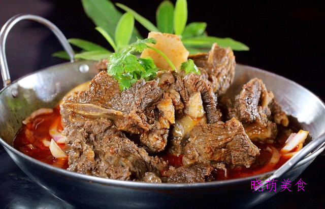 香辣凤爪、炖羊排、香酥虾、铁板牛蛙的家常做法