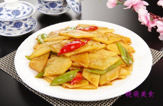 肉末炒粉丝、小炒四季豆、香煎老豆腐、青椒土豆片的美味做法