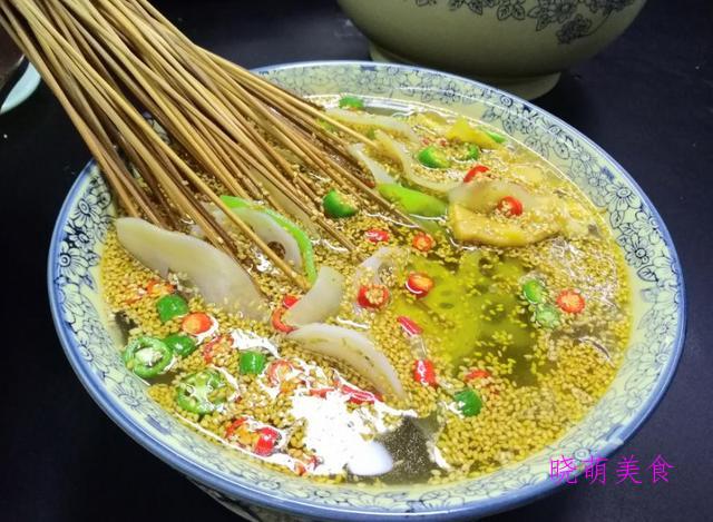 麻辣鱼片、冷锅串串、腌黄瓜条的家常做法