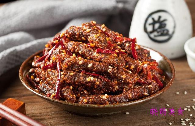 爆炒腊肉、冷吃牛肉、香酥辣子鸡的家常做法