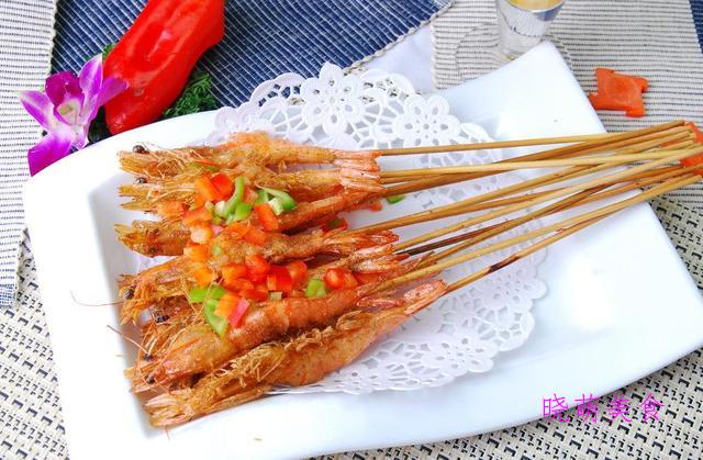 香酥鸡米花、家常白斩鸡、五花肉煎土豆、蒜香椒盐虾的家常做法