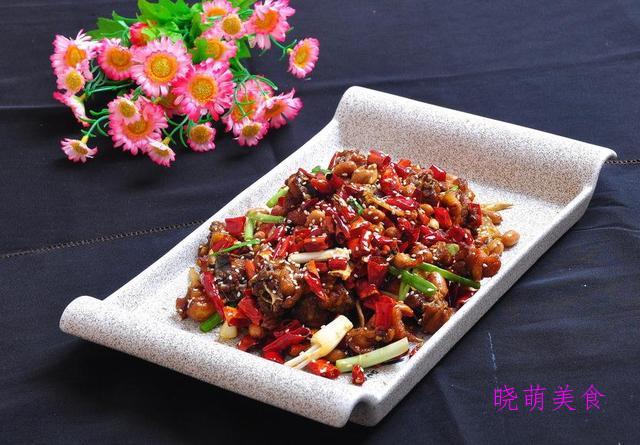 榨菜炒肉丝、川香毛血旺、红烧辣子鸡、麻辣鱼的家常做法