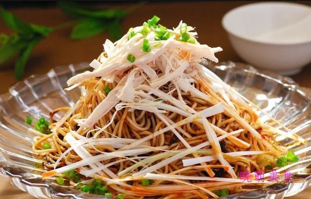 豆角焖面、鸡丝凉面、青菜炒面、酸辣拌面的家常做法