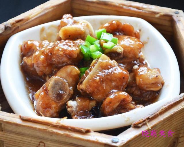 蚝油茭白、豉汁蒸排骨、滑蛋牛肉、豉香啤酒虾的家常做法