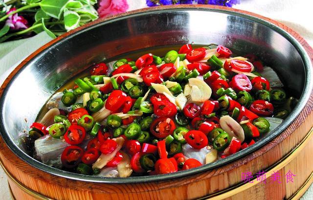 辣子带鱼、红烧小排、红烧肥肠、椒盐牛肉的家常做法