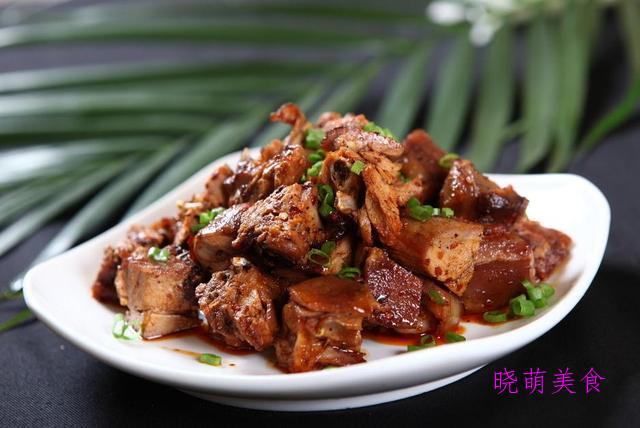辣焖猪脚、麻辣兔、米椒拌猪耳、山药焖羊肉的家常做法