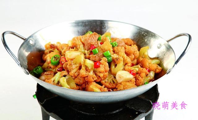 酱爆花菜、香辣兔、双椒炒猪肝、灯影牛肉丝的家常做法