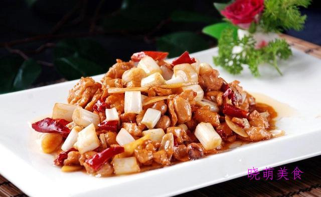 红烧土豆排骨、无锡糖醋排骨、金汤肥牛卷、鸡丁炒土豆的做法