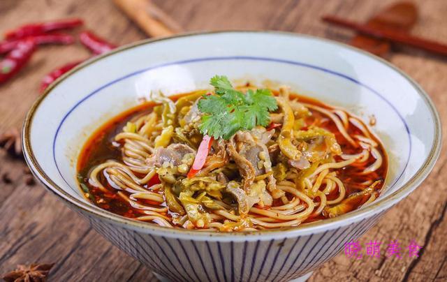 鸡杂面、鳗鱼酱油炒面、牛肉炸酱面、鱼露拌面的家常做法
