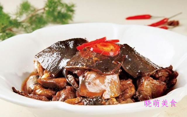 红烧甲鱼、爆炒肉片、葱椒鸡、清炒鳝丝的家常做法