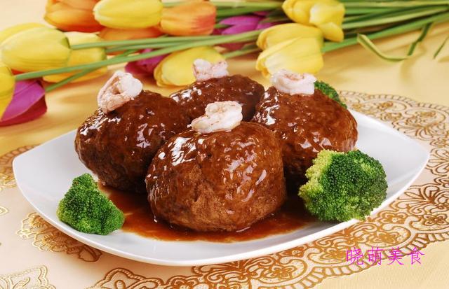 香辣腰花、水煮小酥肉、鸡蛋丸子的家常做法