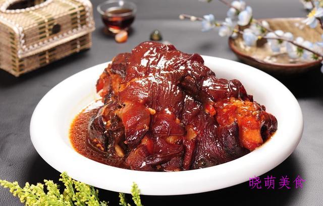 红扒肘子、丝瓜小酥肉、糖醋樱桃肉的家常做法