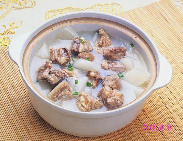 枸杞鸽子汤、白切羊肉汤、番鸭海参汤、山药乌鸡汤的美味做法