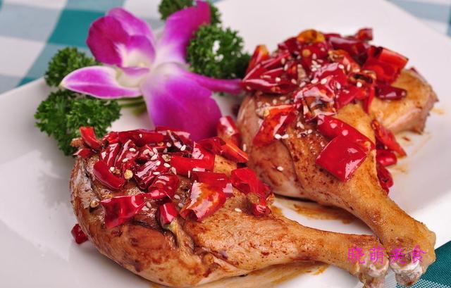 香辣酱鸭腿、香辣馄饨、红烧小排、干炸五花肉的家常做法