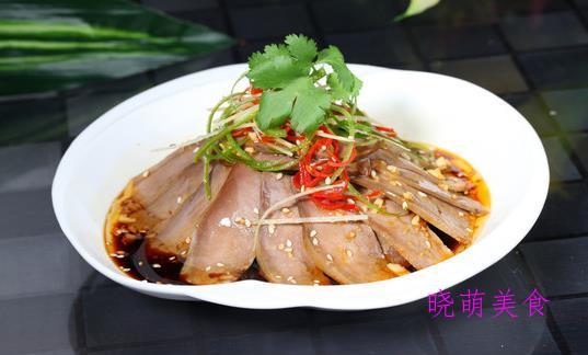 香辣鸡翅尖、椒盐鸡胸肉、卤猪舌、蒜蒸大肠的家常做法