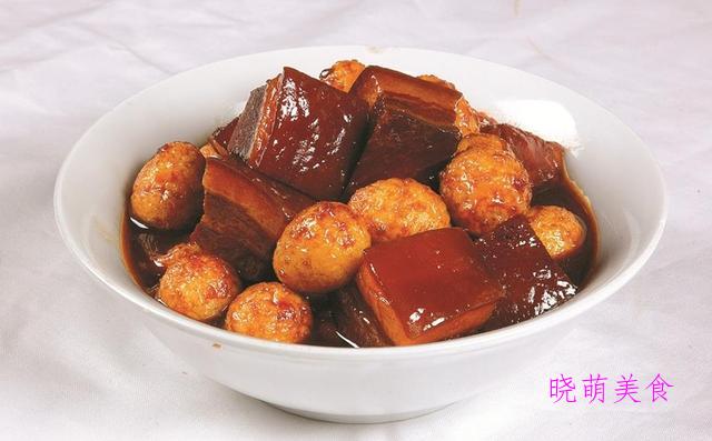 五花肉炖土豆、浇汁豆腐、红烧鸭块、辣烧猪尾、爆鱼块的家常做法