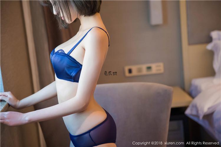 秀人网 丝袜女神杨晨晨sugar 黑丝美腿高跟内衣制服装