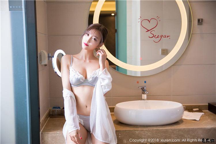 秀人网杨晨晨sugar写真:晨晨女神的红衣兔女郎装太诱人了!