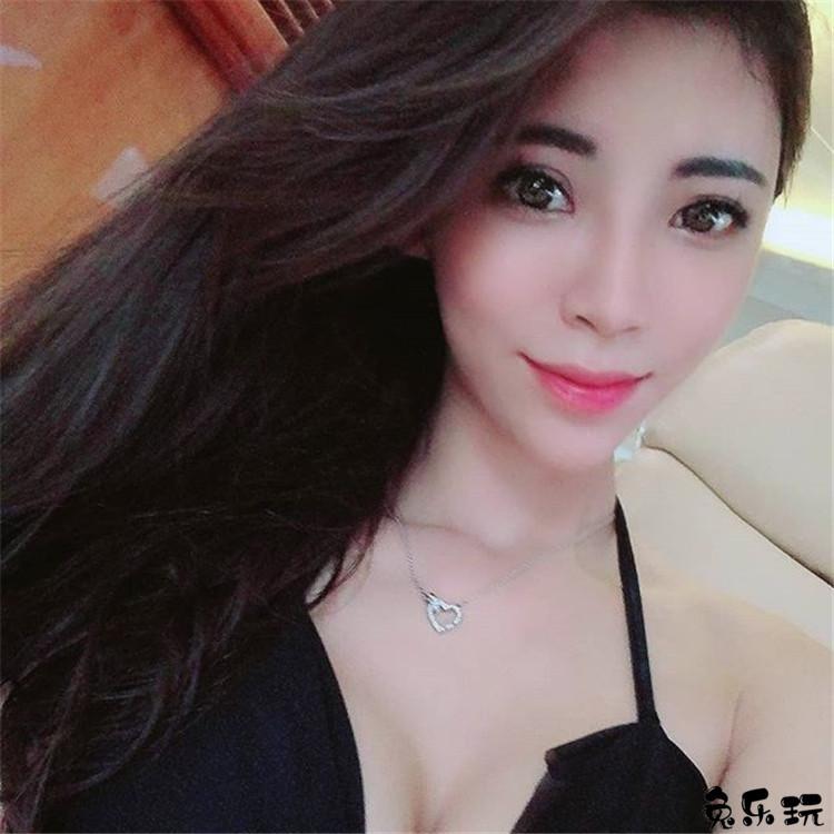 被称为台湾最火辣的绝美D奶身材Angel liya天使莉亚护士装实在太诱惑!