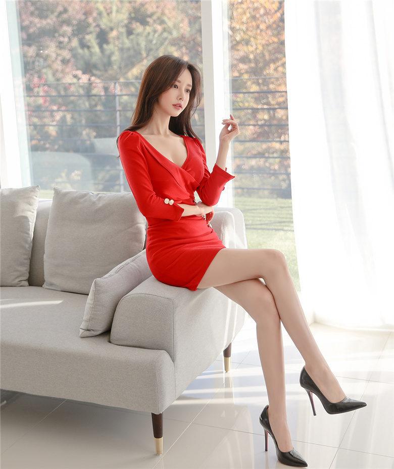 韩国顶级名模孙允珠写真图包:石榴糖浆花露纯酿马德里衣裙