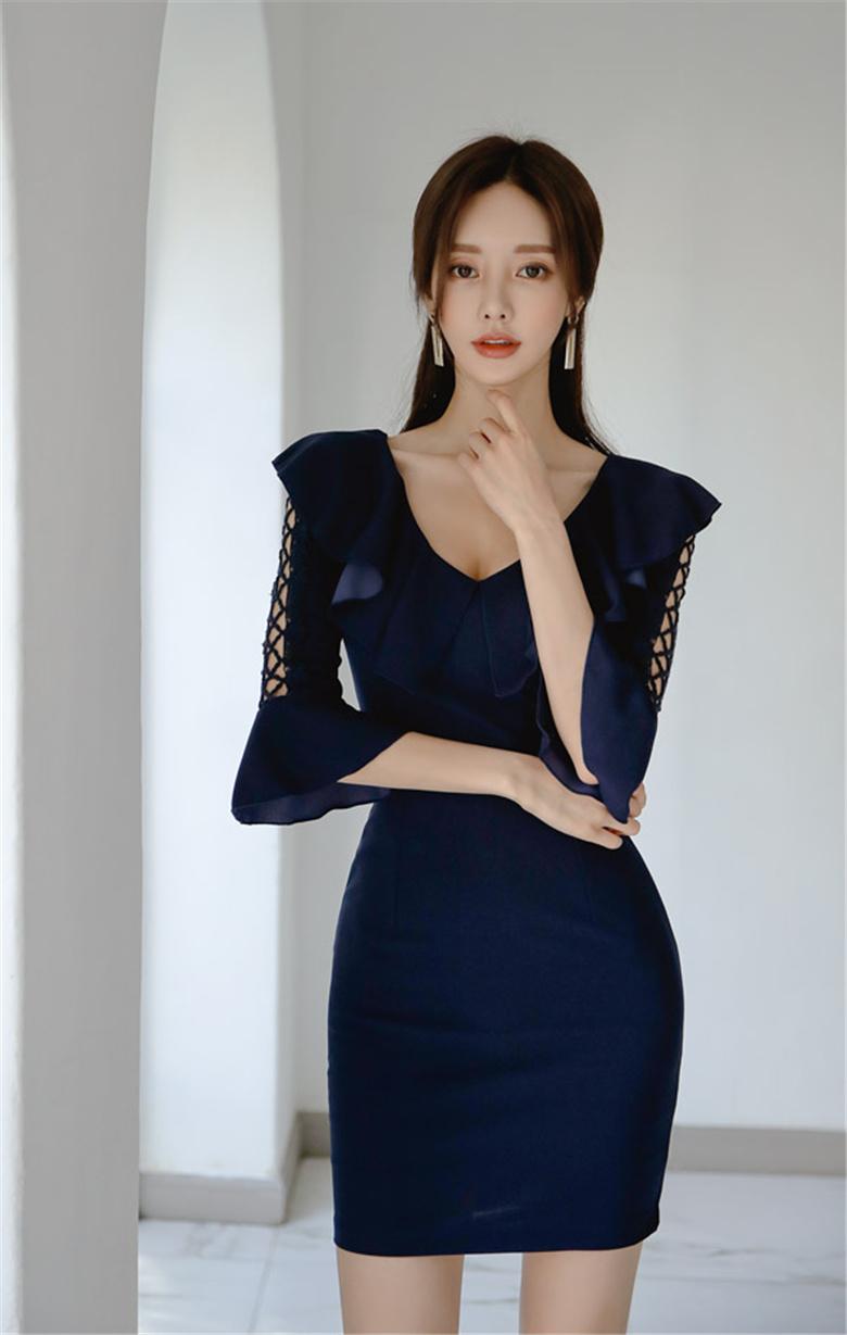 韩国名模孙允珠写真图包:幻烟幽蓝深海神秘阔袖包臀裙