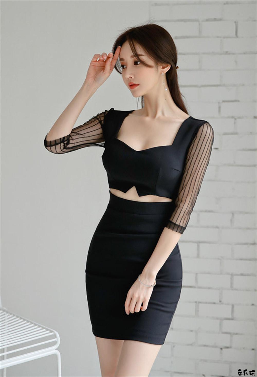 名模孙允珠女神图包:雅黑北欧绅士金丝竖纹露脐裙 (18P)