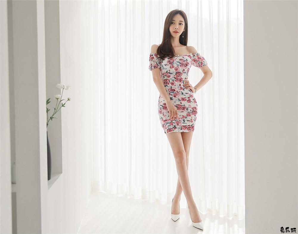 韩国模特孙允珠女神图包:热恋蔷薇星辰幻彩满版碎花裙