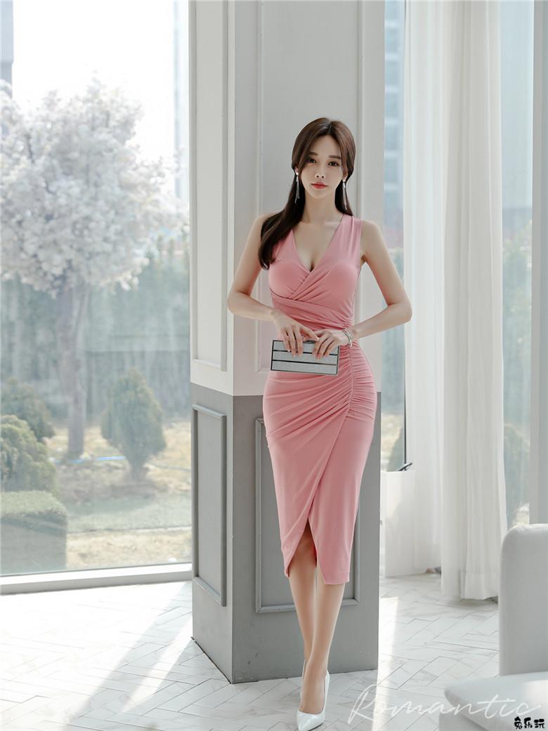 韩国模特孙允珠女神图包:洛神朦胧星若玉绡阑珊晚礼裙 (17P)