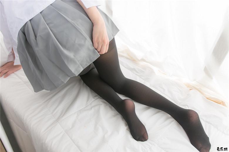 【福利姬】红领带和黑丝(69P)