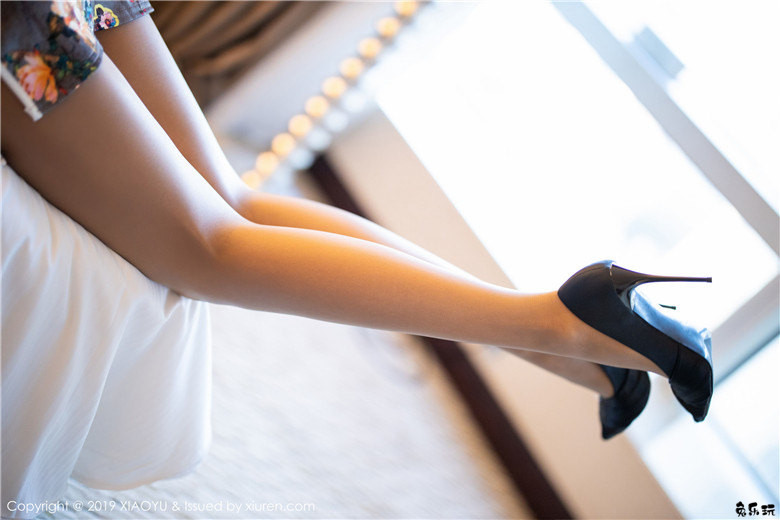 [语画界XIAOYU] Vol.196 气质女神Carry古典韵味旗袍性感丝袜写真,气质袅袅撩人心怀