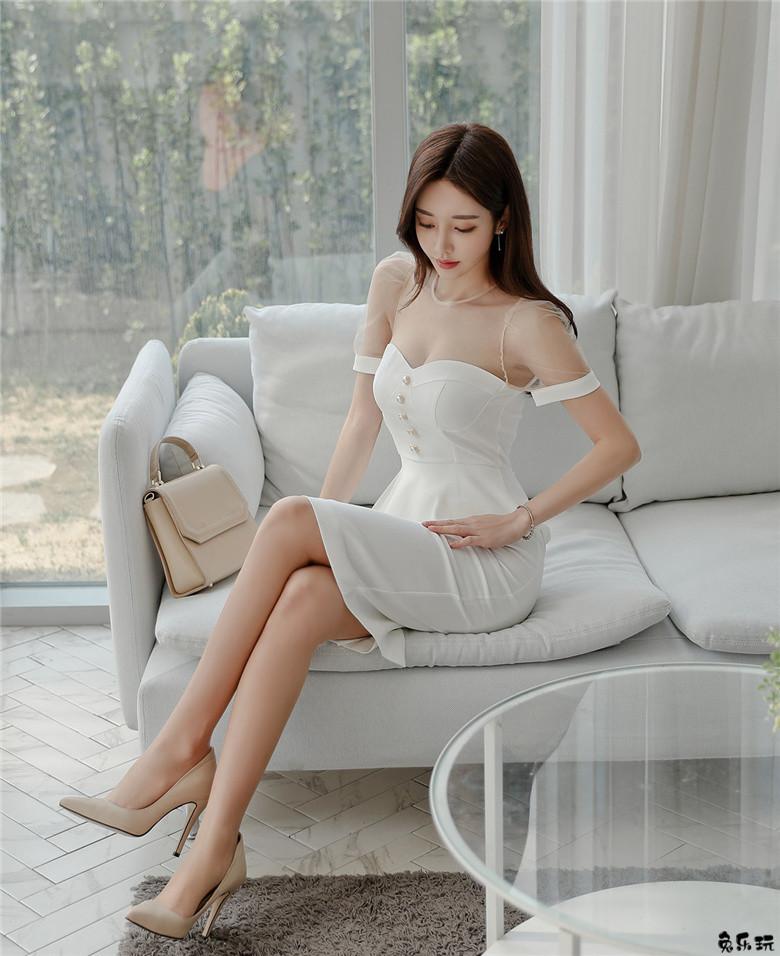 孙允珠:娇雪花柔鸢尾菊仙女抹胸礼裙