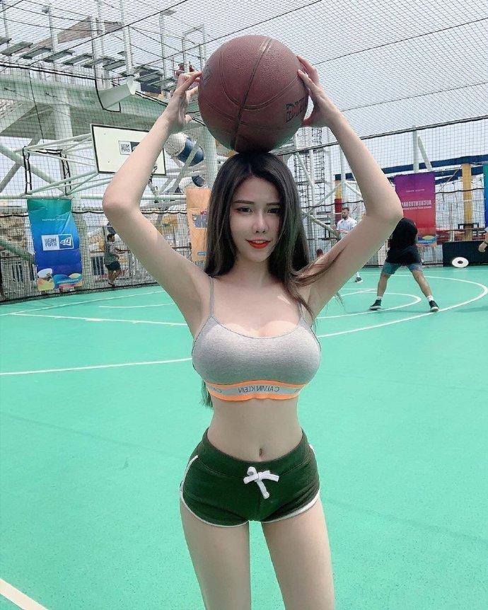 有空吗?一起打球呀!
