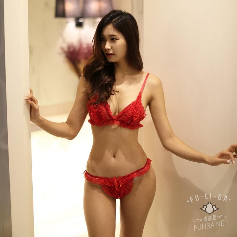 老板娘亲自出马当模特身材好到爆 韩国李熙恩衣店 发现美
