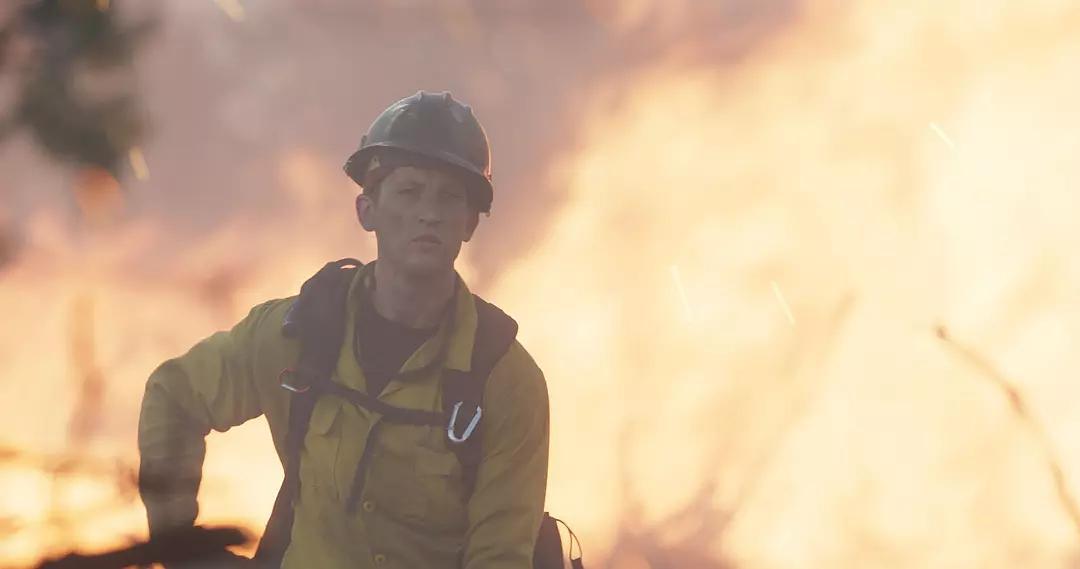四川森林大火30名消防员牺牲,想到的电影《勇往直前》