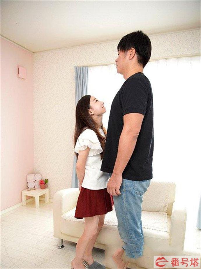 藤原辽子改名为市川花音再发新作,一个身高只有140cm的新人