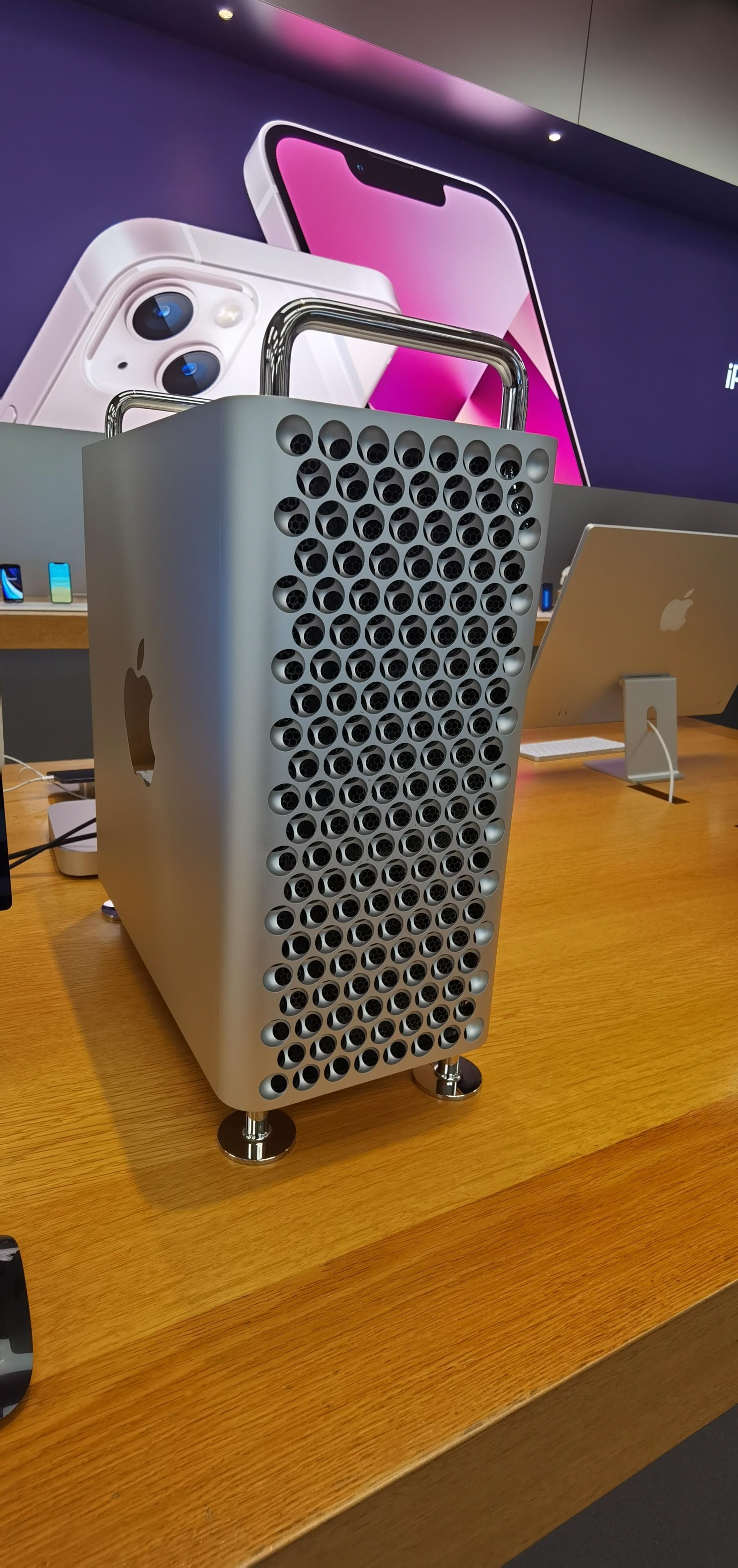 苹果天价旗舰机型-Mac Pro(售价达到106499元)
