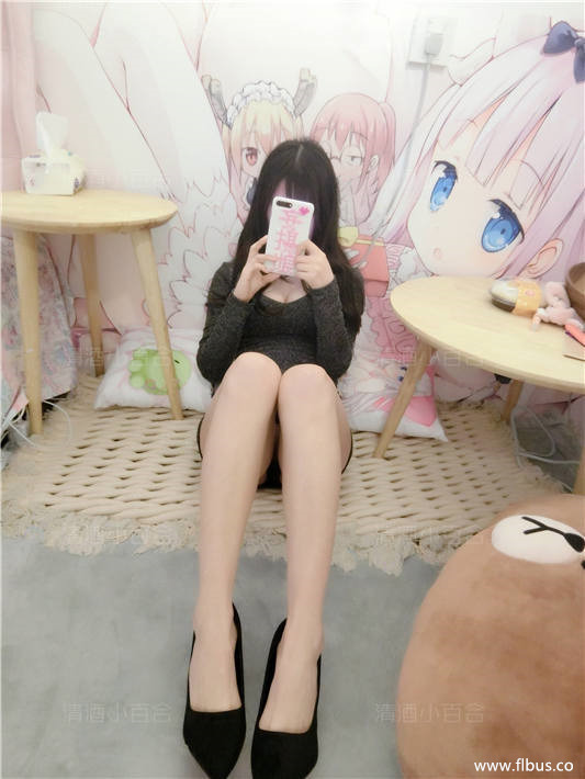 网红少女@妄摄娘(清酒小百合)-VIP套图-性感小裙[50P/234MB]