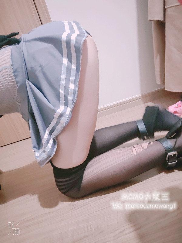 网红女神@momo大魔王 口球GS小尾巴[33P3V/114M]