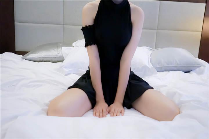 少女映画 黑saber泳装[49P/51MB]