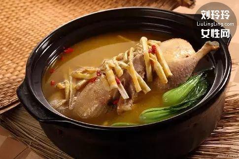 怎么煲鸡汤营养又好喝 简单教你煲出美味鸡汤!6