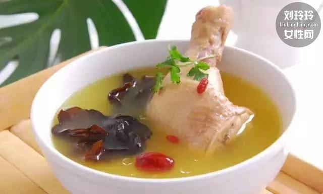 怎么煲鸡汤营养又好喝 简单教你煲出美味鸡汤!8