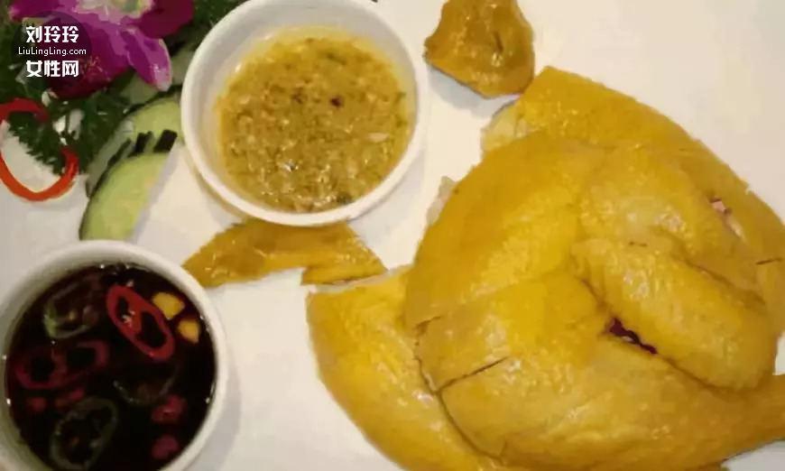 白切鸡的正宗做法 白切鸡冷水下锅照样热水下锅?4