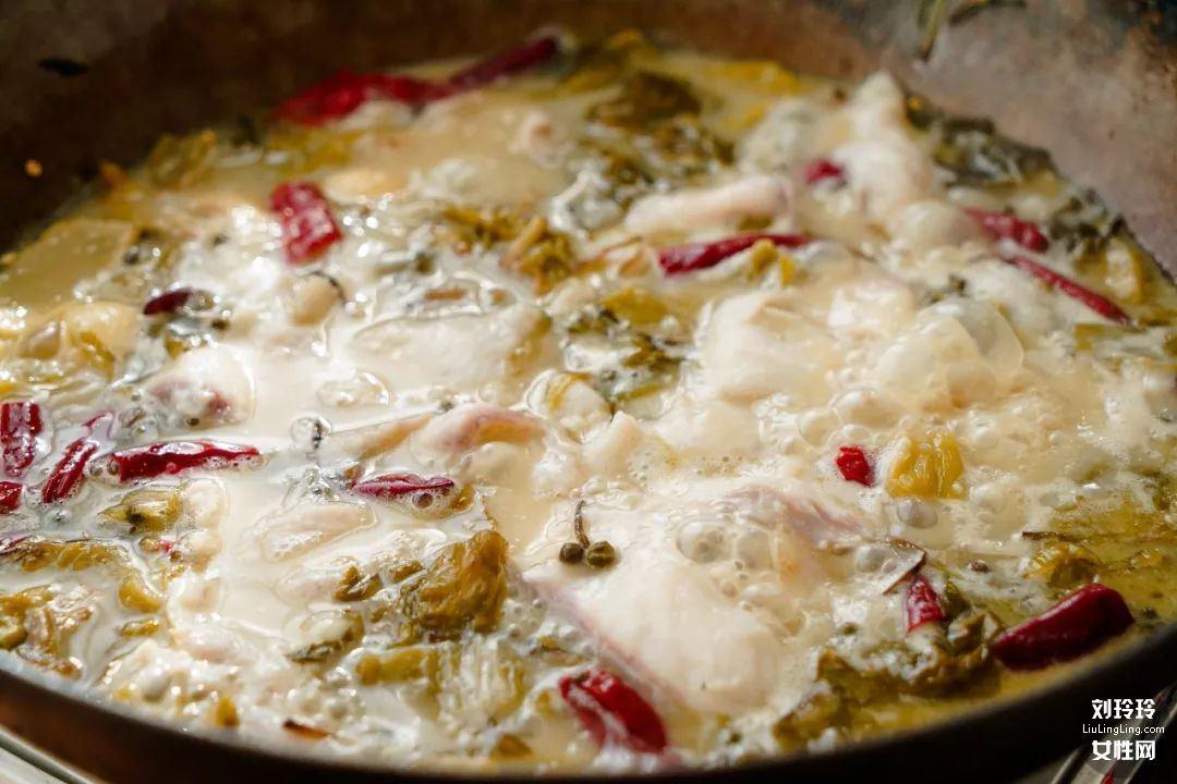 如何做酸菜鱼暖锅?这是最好吃的酸菜鱼的做法8