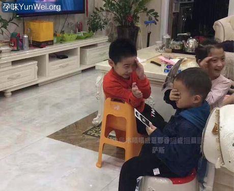孩子看到接吻情节 别捂眼睛了!你应该这样…