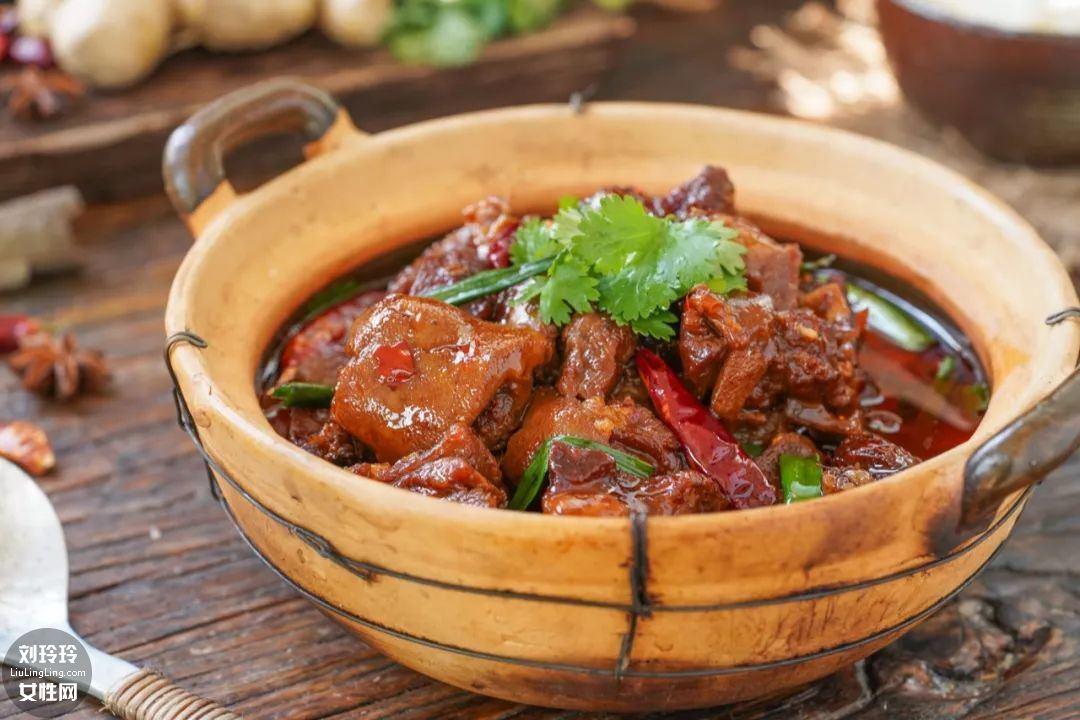 红烧羊肉煲的做法1
