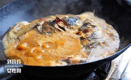 红烧青花鱼的做法 家常青花鱼的做法2