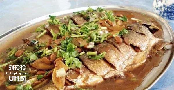 红烧青花鱼的做法 家常青花鱼的做法3